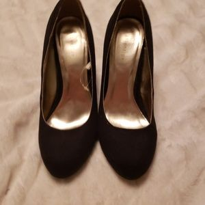 Attention black suede heels